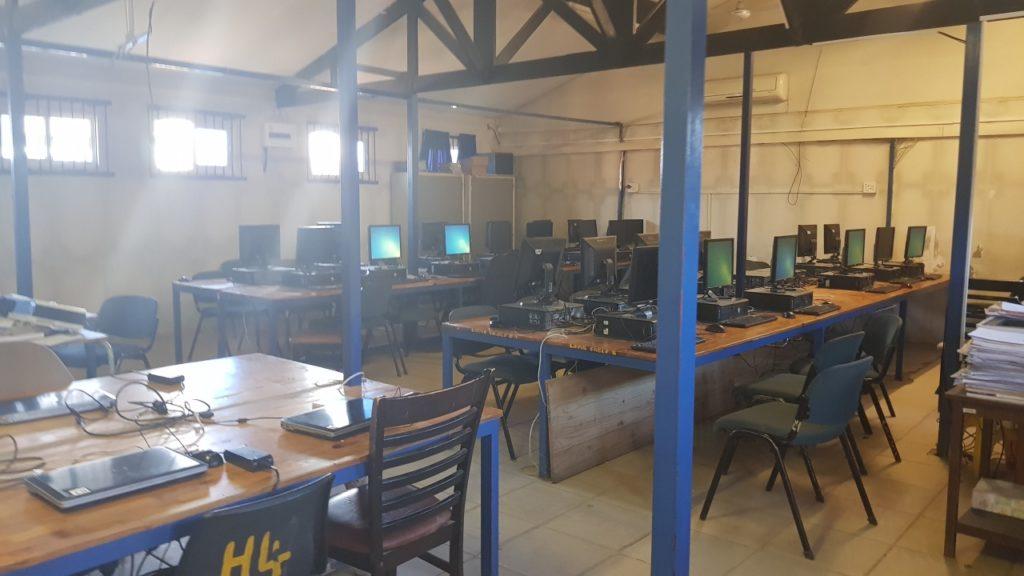 Diepsloot computer before (2)